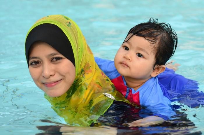 mama-baby-swim