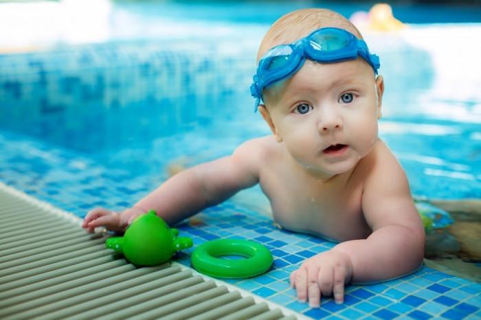 swim-goggles-baby